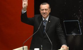 Turchia, Erdogan: il Sultano vittima delle sue paranoie