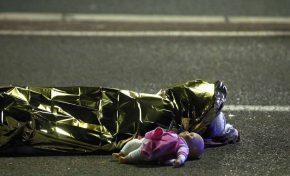 Terrorismo, strage a Nizza: 84 morti e centinaia di feriti