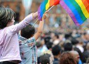 In Italia 100mila bambini hanno genitori gay. Psicologi: stanno bene