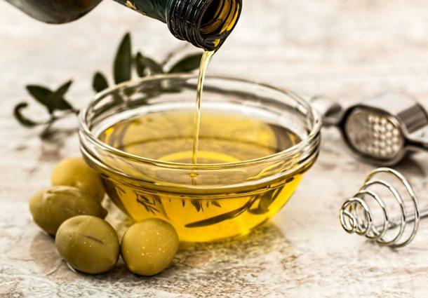 Basta olio d'oliva contraffatto, arriva il diffrattometro