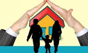 Case famiglia, un business (senza controllo?) da 1 miliardo di euro l'anno