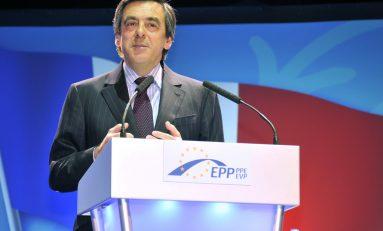 Francia, primarie dei repubblicani: il candidato thatcheriano Fillon surclassa Sarkozy
