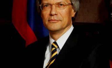 """Ambasciatore russo: """"Non siamo nemici, ma necessari per risolvere problemi globali"""""""
