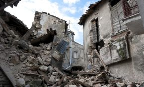 """Terremoto, De Natale (Ingv): """"Il sisma di oggi è figlio di quello de L'Aquila"""""""