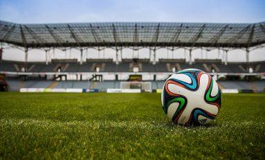 Calcio, allarme violenza: raddoppiano minacce e intimidazioni per i giocatori