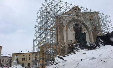 Terremoto: a Norcia, Ancarano e Castelvecchio il lavoro dei vigili e della protezione civile/FOTO
