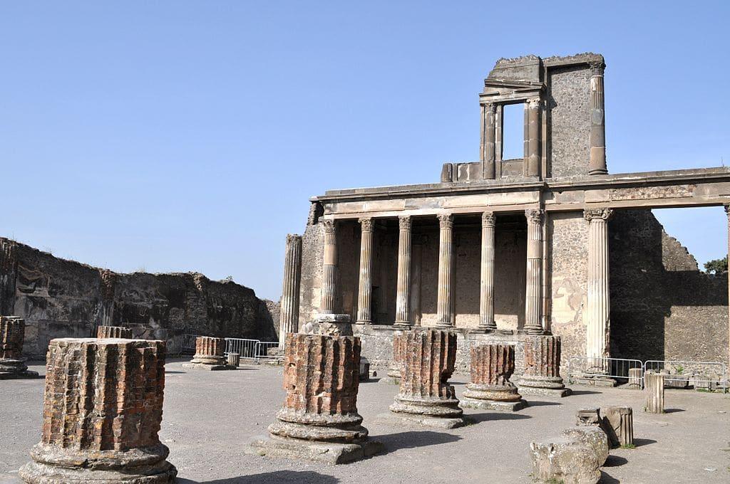Unesco, Venezia evita le sanzioni. Napoli e Pompei a rischio