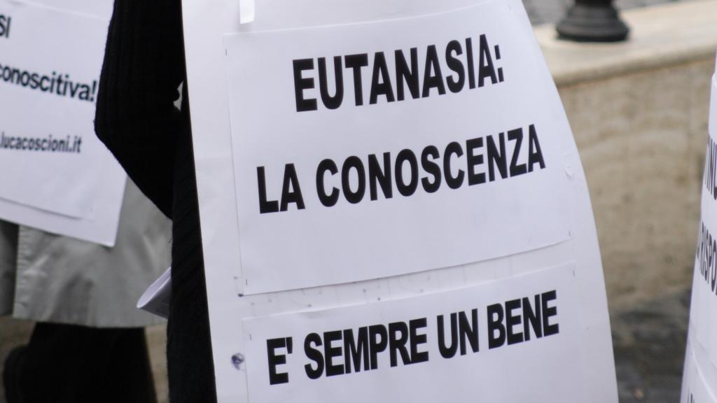 """Testamento Biologico, Roccella: """"Legge utilizzata da Renzi per far cadere il governo"""""""