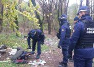"""Milano, il """"bosco della droga"""" che nessuno riesce a ripulire"""