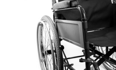 """Docenti disabili: un esercito di 100mila """"invisibili"""" siede dietro le cattedre"""