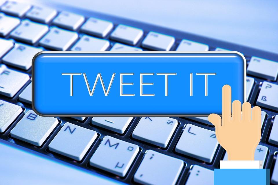 #HashtagDellaSettimana. Vincono i tweet sulla visita di Salvini a Napoli