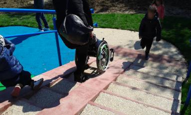 Disabilità, in Italia esistono solo 40 parchi dove i bambini possono giocare tutti insieme
