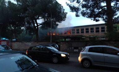 Amianto, incendio fabbrica Buffetti a Roma infiamma il dibattito sui rischi