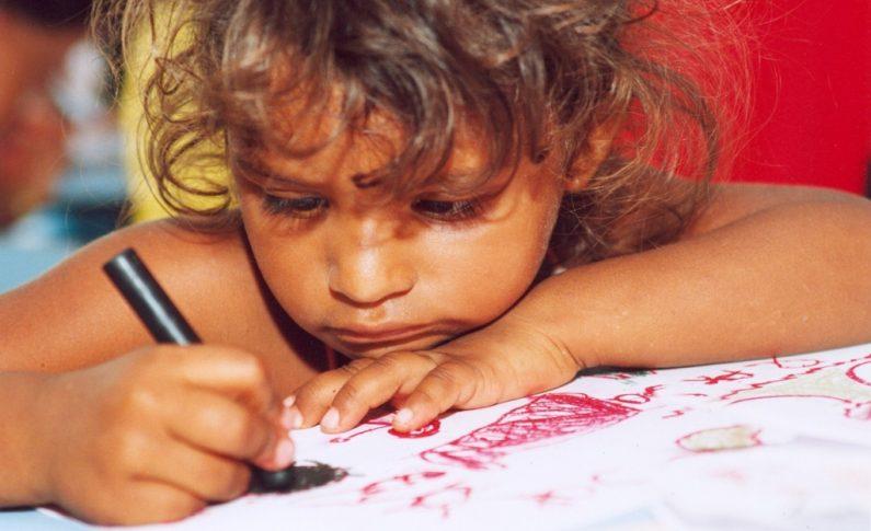 """Unicef, rapporto migranti minorenni: triplicato il numero dei """"bimbi sperduti"""""""