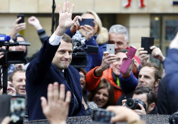 Legislative in Francia, Macron conquista 308 seggi