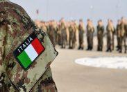 Esercito, Michele Emiliano visita stand militari alla Fiera del Levante in Puglia