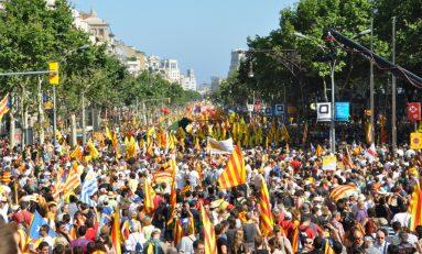 Catalogna, schiaffo di Puigdemont a Rajoy: ora è testa a testa con Ciudadanos