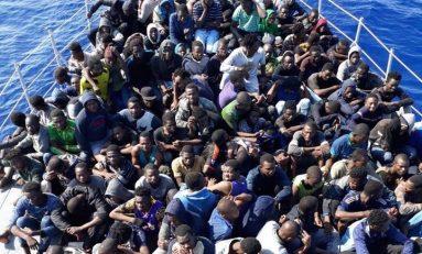 Immigrazione: un altro barcone si avvicina alle nostre coste
