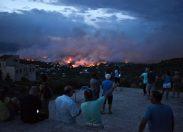 Grecia, morti e tantissimi feriti per gli incendi intorno ad Atene