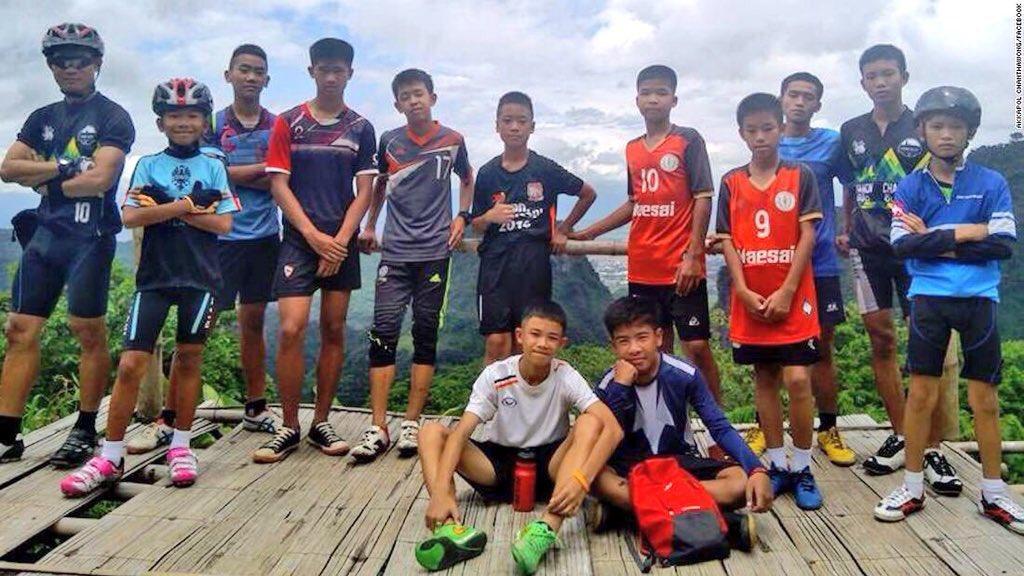 Thailandia, tutti salvi i ragazzi rinchiusi nella grotta
