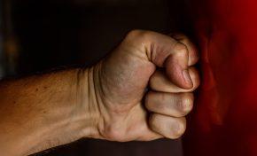 Violenza domestica: non solo tra le coppie eterosessuali