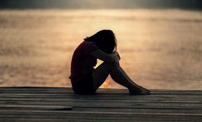 Perché gli adolescenti di oggi sono autolesionisti?