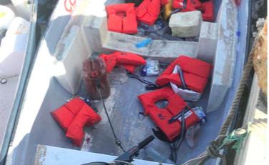 Immigrati, i maltesi regalano benzina e bussola per arrivare in l'Italia