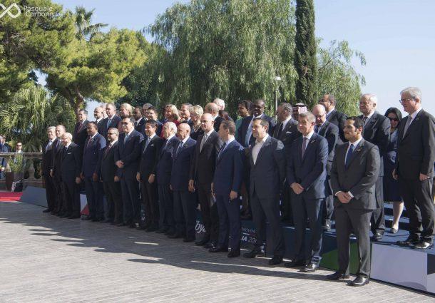 Libia, dalle strette di mano alle foto di gruppo. Le immagini della Conferenza di Palermo