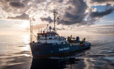 Immigrazione, Sea Watch non molla e si dirige verso la Libia