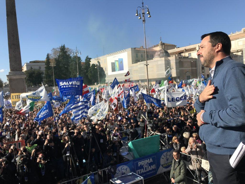 La Lega riempie piazza del Popolo…il Pd lasciò ampi spazi