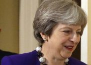 Saga Brexit: in 325 salvano il Governo May