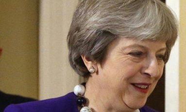 Saga Brexit: in 325 salvano il Governo May