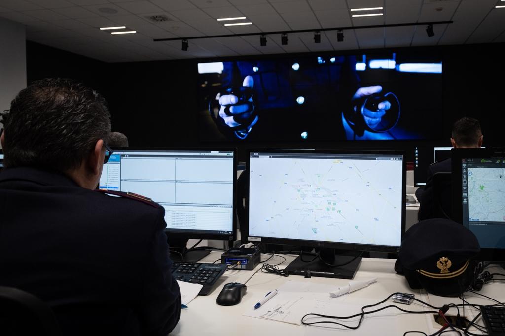 Inaugurata 'Mondi Connessi': la control room della Polizia
