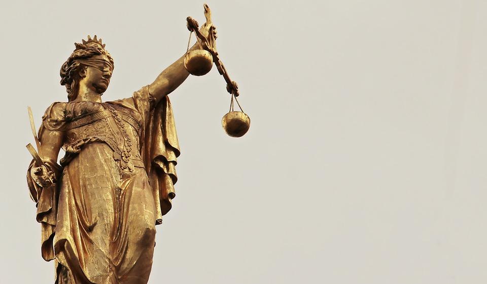 Dignità da 250 euro: giustizia o vendetta?