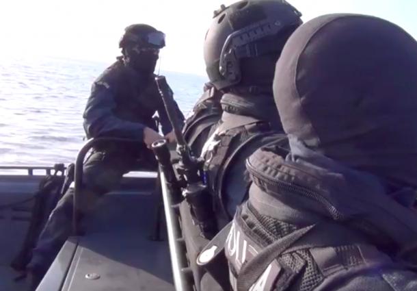 Terrorismo: esercitazione Nocs Gis sul litorale romano