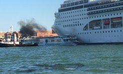 Venezia: incidente tra nave da crociera e battello turistico