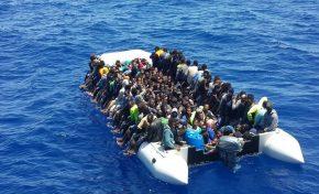 Sbarchi di immigrati: hotspot al collasso e polizia stremata dai turni