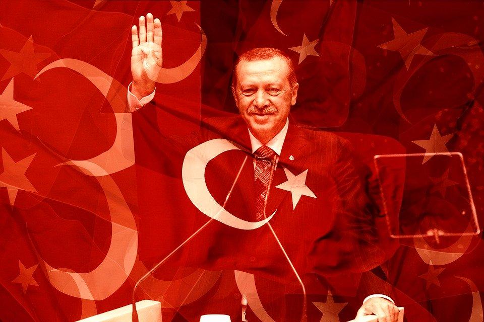 """Libia, Erdogan: """"Abbiamo iniziato l'invio di truppe"""""""