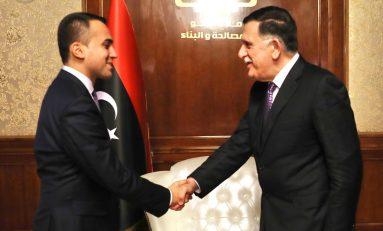 Terroristi in Libia: Di Maio va in ginocchio da Sarraj