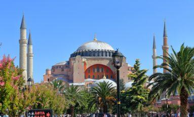 """Turchia: """"L'idea di laicismo di Ataturk non è mai stata così minacciata"""""""