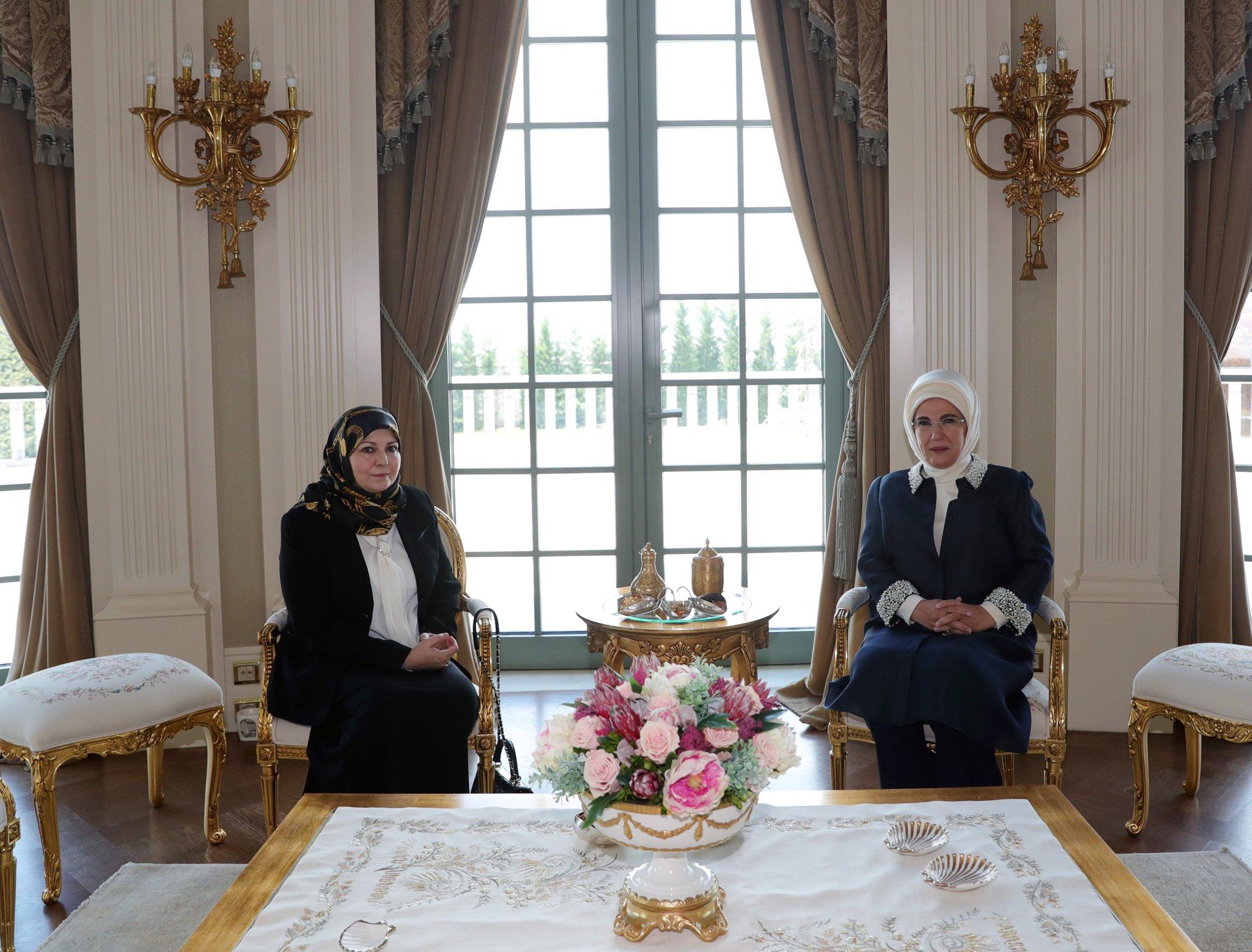 """Libia-Turchia: lo """"shopping"""" delle donne e i tradimenti di Sarraj"""