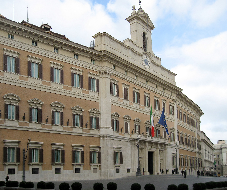 Alla fiera Montecitorio: tutti colpevoli, nessun colpevole