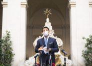 Conte grazia gli italiani: la polizia non entrerà nelle nostre case