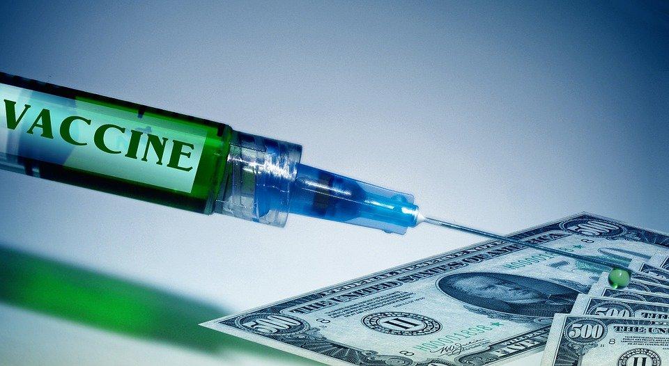 Pfizer e BioNTech annunciano vaccino covid in tempi record
