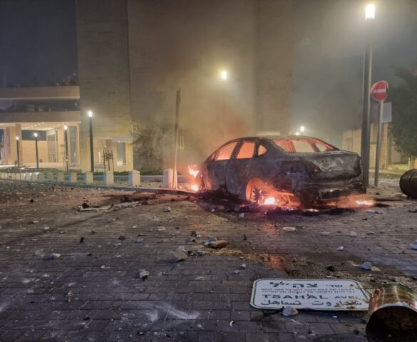 Israele sotto attacco: pioggia di fuoco a Tel Aviv e sciacalli a terra