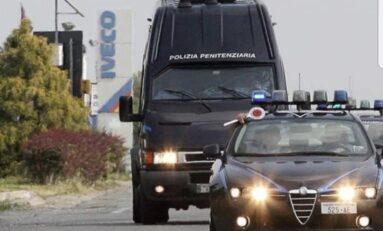 Sanremo: i detenuti fanno shopping con l'agente